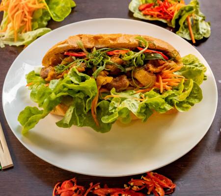 Charcoal Lemongrass Chicken bread roll