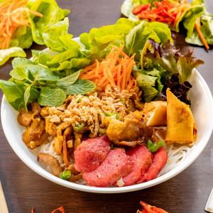 Bun (Vermicelli salad)