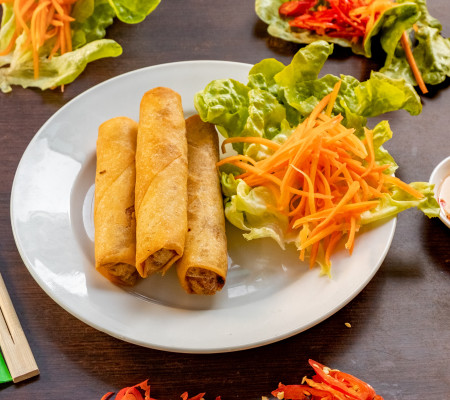 Seafood spring rolls (3 per pack)